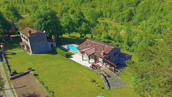 Istria Estate - Five Bedroom Holiday Home with Pool