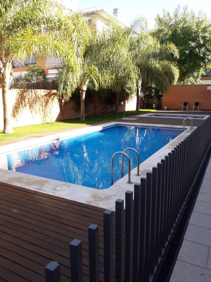 Habitación privada con piscina en calle Alfahuir