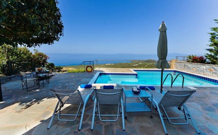 Luxury Villa Ismini in Stoupa, Private Pool & BBQ