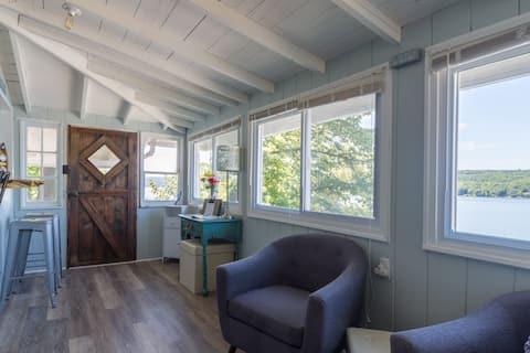 Charming Keuka Lake Waterfront Cottage...