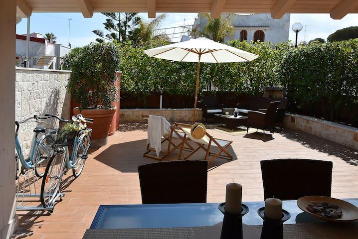 Dimora al Sole - villa on two floor like a wolk from the beach