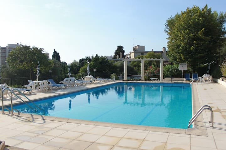 3 bedroom, swimming pool, tennis, nearby beaches