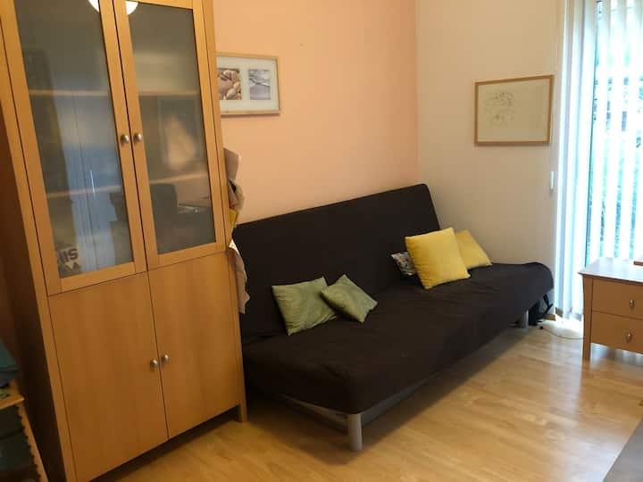 ruhiges Zimmer mit  Bad im Norden von Berlin