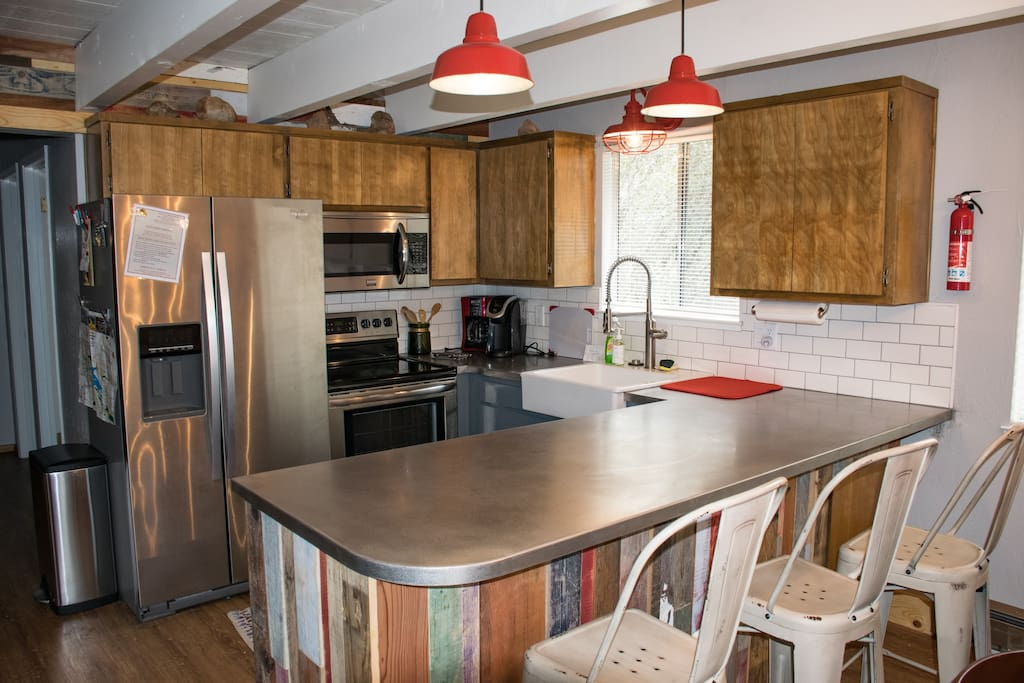 Fully equipped kitchen with brand new appliances