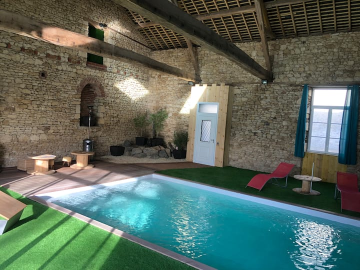 Gite de charme avec piscine intérieure
