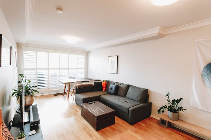 Modern Apartment in Darlinghurst; Perfect Location