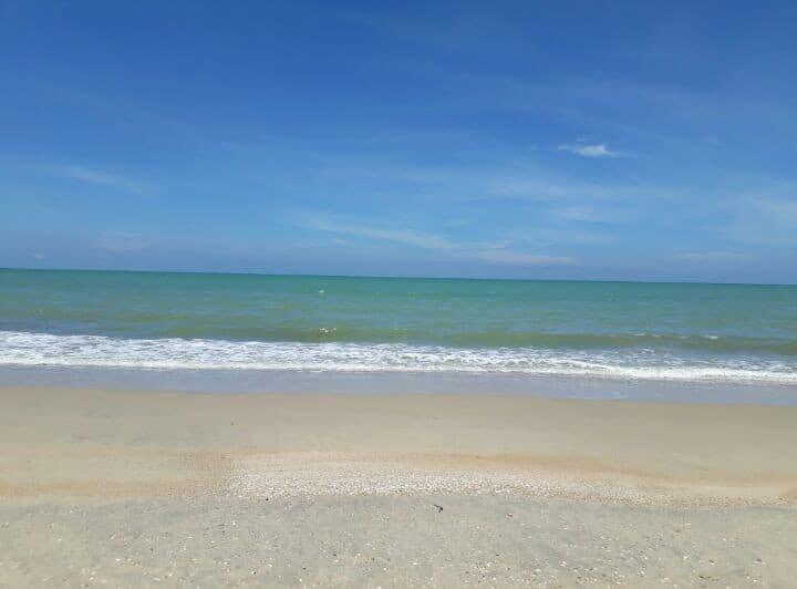 Beach Time : 400meter fm Sathingpra Beach