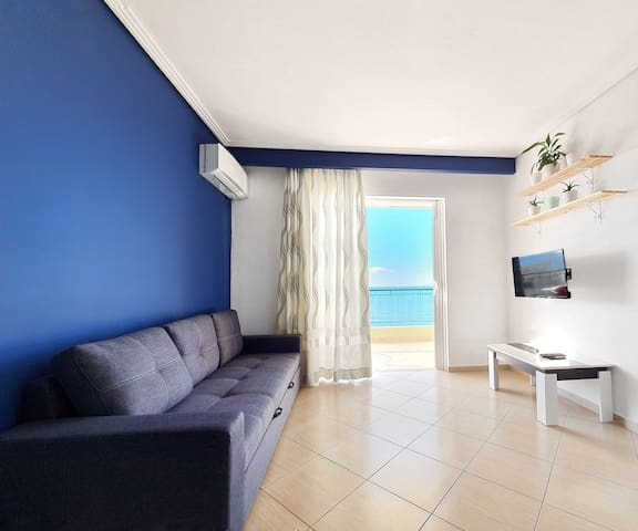 Aquamarine, bright apartment w/ Sea view.