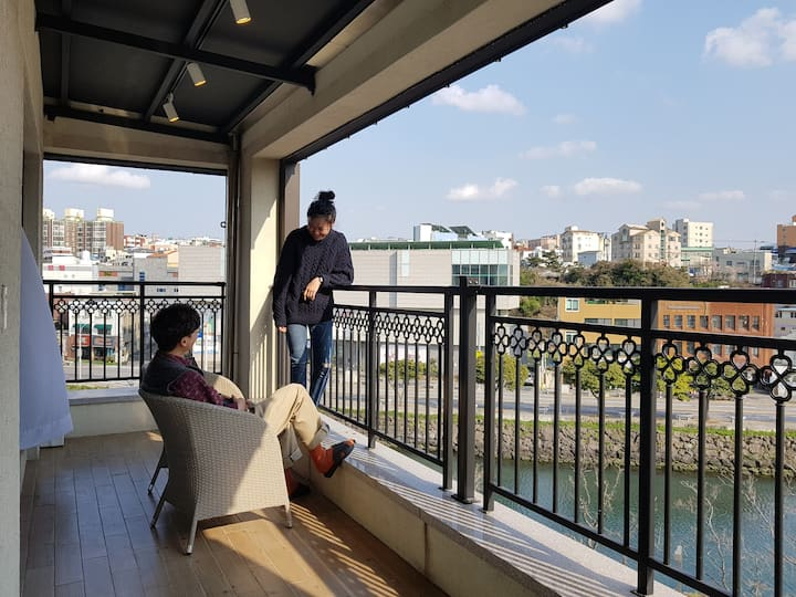 [BED RADIO/Terrace Double] Close to the airport