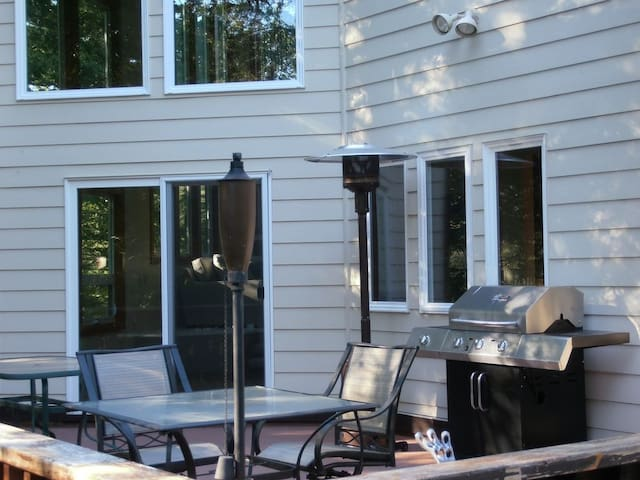 Deck with BBQ & Heater