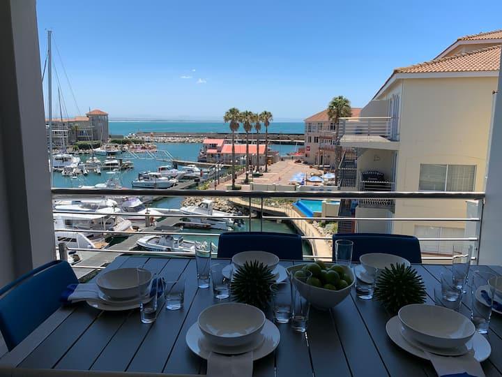 Luxury apartment exquisite finishes, magical views