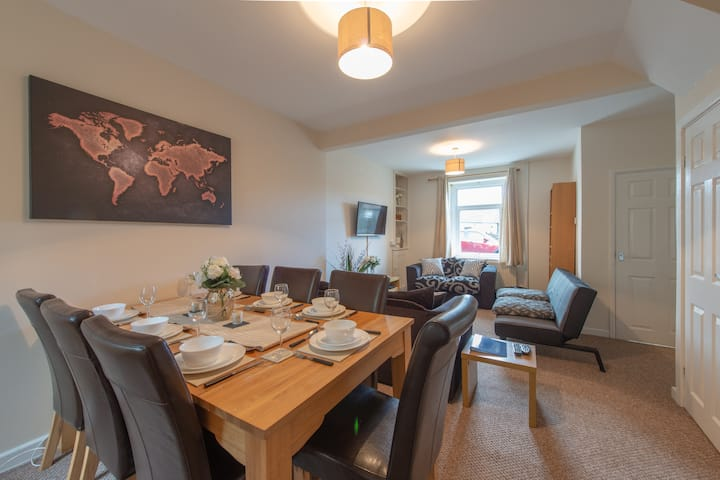 Trecelyn Rest + Parking (Sleeps 7) Central Valleys