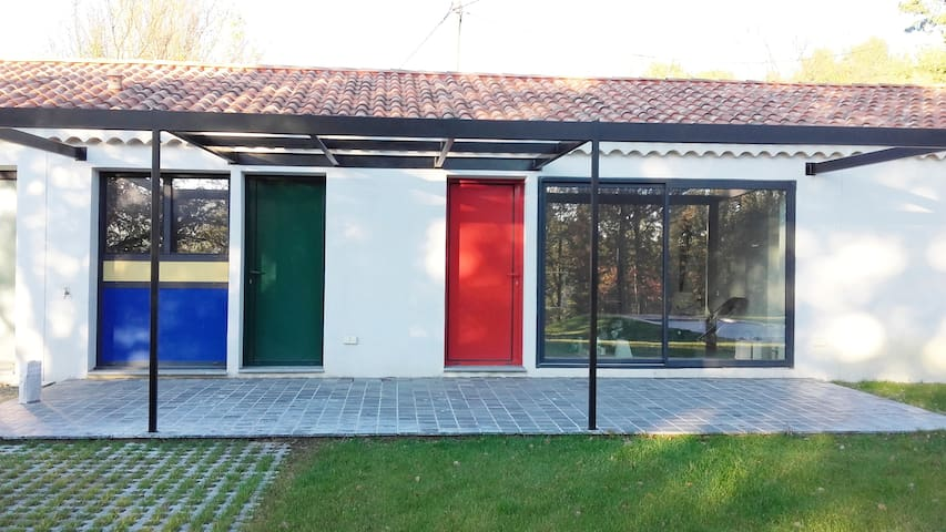 Lumineuse villa moderne près de Lourmarin