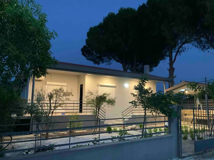 Casa Annie Excellent house with garden and seaview