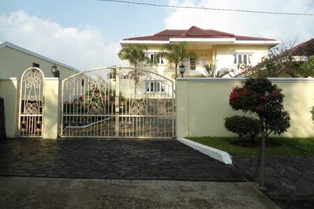 Villa Prabowo Sukabumi - Sukabumi
