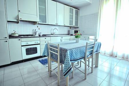 Casa dei Ciliegi - Santa Venerina - House - 0