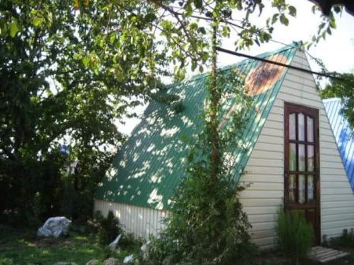 Отдельные деревянные домики в 15 мин. от моря
