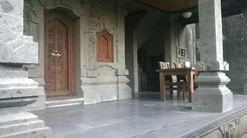 Sari Rooms - Ubud - Hus