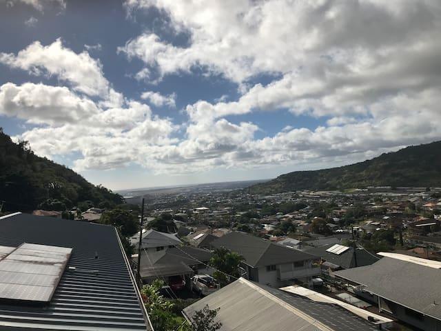 Brand New! Lush Valley & Ocean Views in Honolulu.D