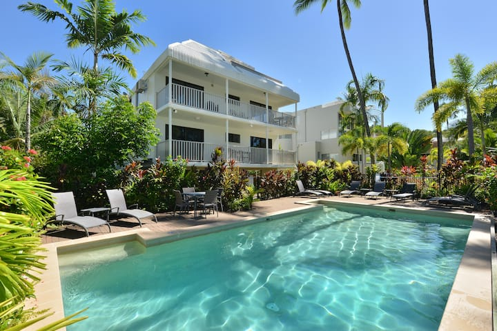 Seascape Holidays  Tropical Reef Apts 3 Bedroom