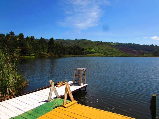 Lake Bunyonyi Backpackers - Western Region - Island