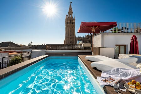 FANTASTIC APART, POOL, GIRALDA VIEW
