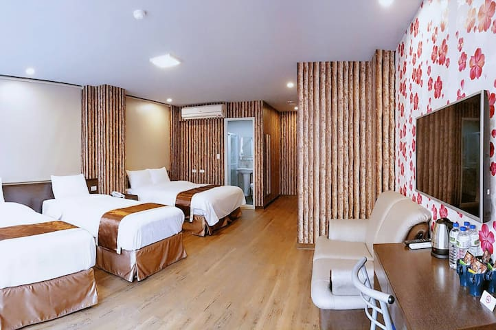 Taichung AAce Hotel-  撲克商旅 環島大套房