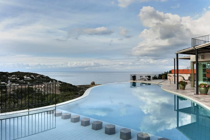 Villa Adam - Luxury Beach Front Villa