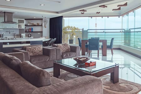 2 BEDROOM PENTHOUSE WITH BEACH VIEW