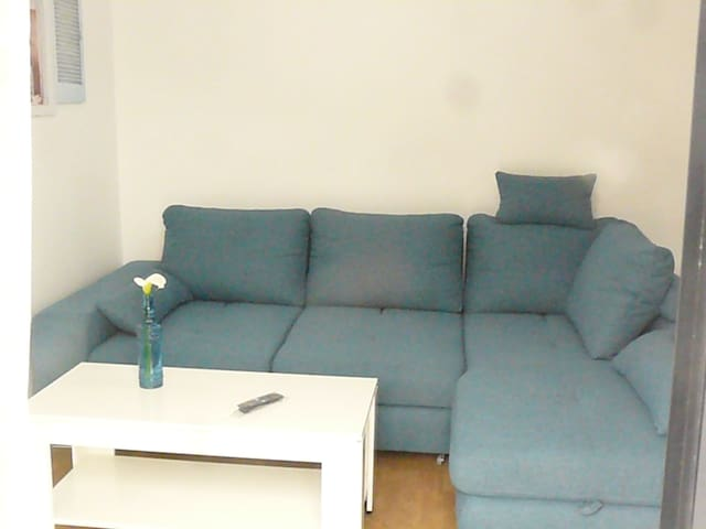 Quiet apartment, sea view, balcony, Funchal
