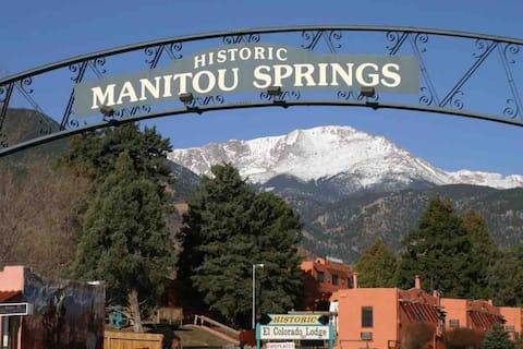 Manitou Terrace Place - clean, safe and convenient