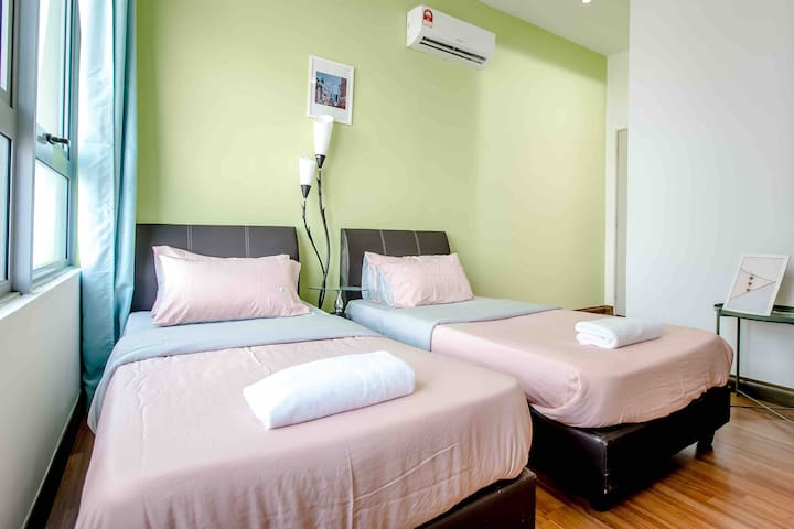 [Private Bedroom] Taragon 12@Berjaya Times Square