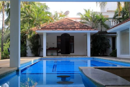 Plush Beach House with Pool & Patio - Chennai - House