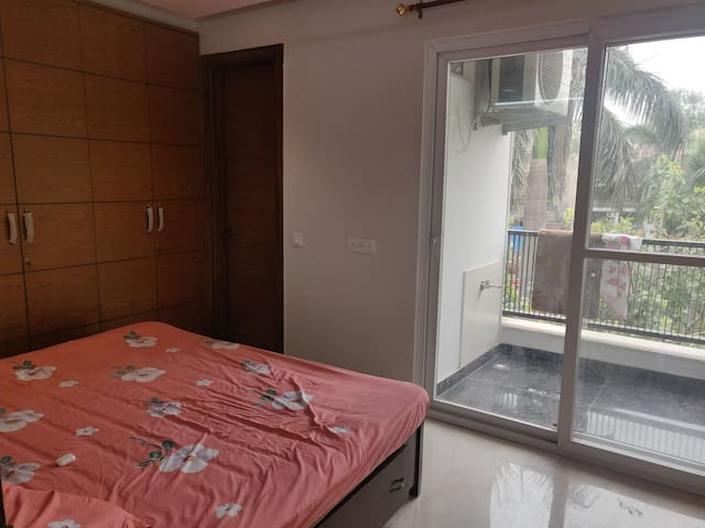 Private Spacious Room in new 2BHK in Lajpat Nagar