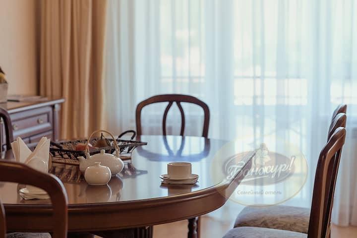 Апартаменты с прекрасным видом на Чёрное море