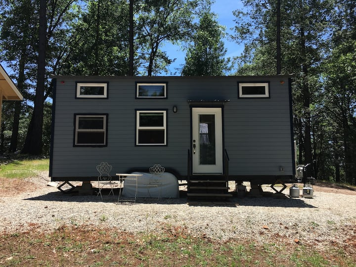 Forest Tiny House - High End Glamping