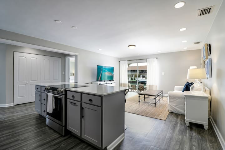 Waterfront  Vacation with Upscale Finishes