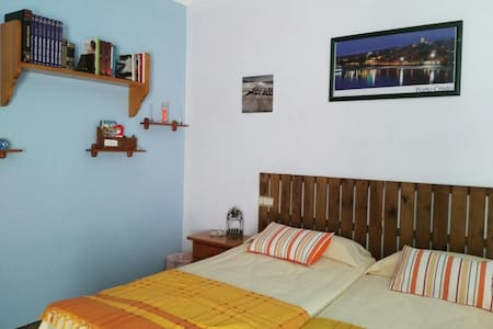 cozy double room with A / a - Porto Cristo - Huis