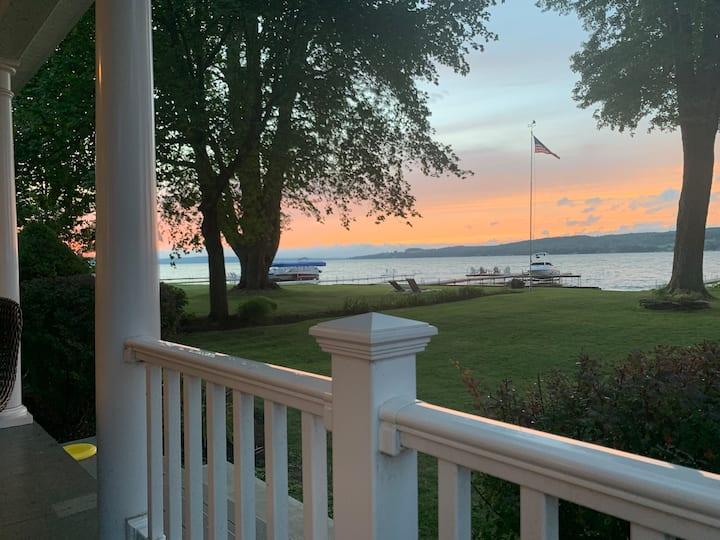 Beautiful lake front home, huge yard!