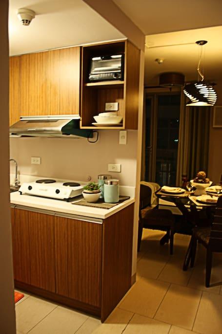 Kitchen & Receiving Area