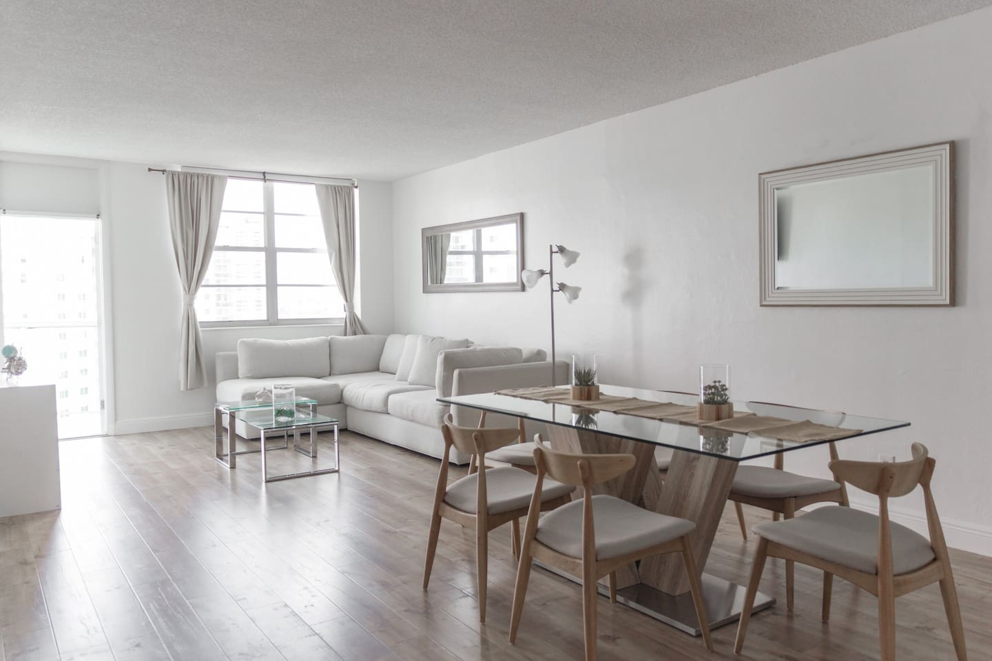 Upgraded property with laminate floors and nice furniture!