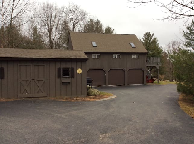 Spacious Carriage House Property