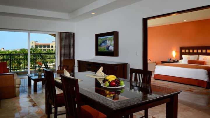 Luxury  ocean view 2bed/3bath eco resort apartment