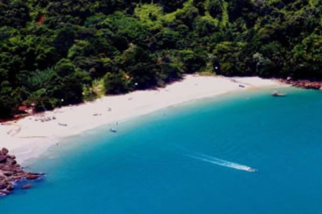 Praia do Bonete feita pela trilha