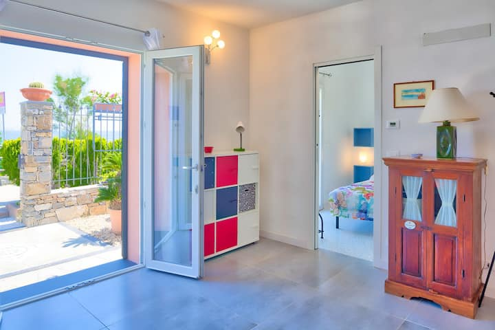 Villa Lucrezia - directly on the beach and the cycle path, for 4, with small garden 8054LT0012
