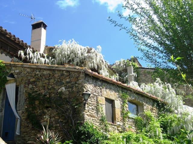 Casa molt acollidora a Monells - Monells - Huis