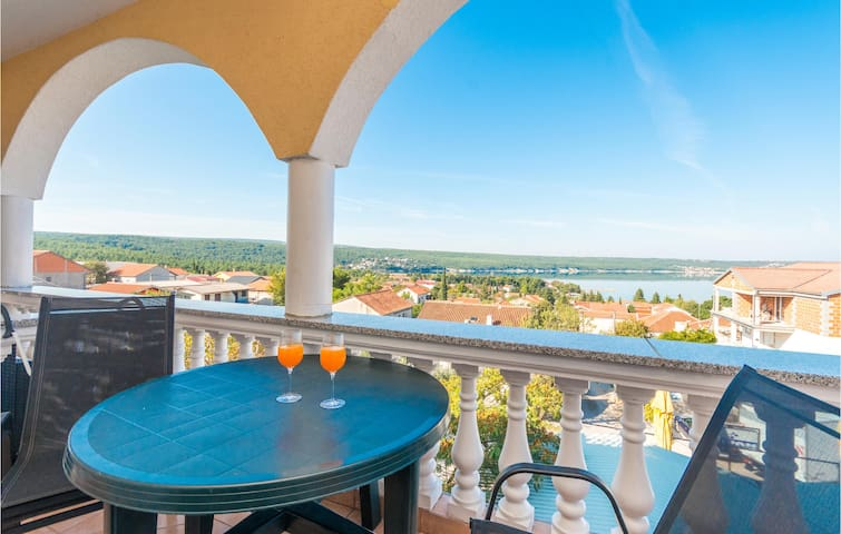Holiday apartment with 1 bedroom on 40m² in Gornji Karin