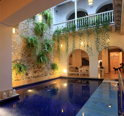 Stunning 4 Bedroom Old City Mansion - Cartagena - Hus