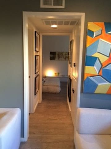 Location, Location, Location - West Hollywood - Apartment