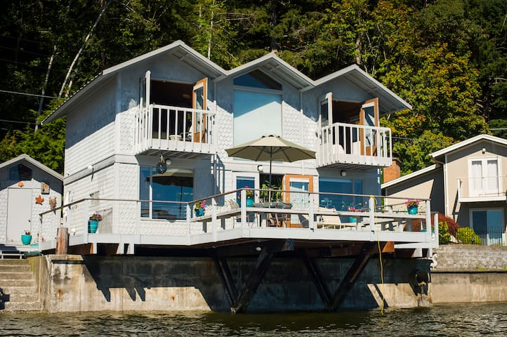 Sunset Magazine Award-Winning Hood Canal Retreat - Belfair - บ้าน